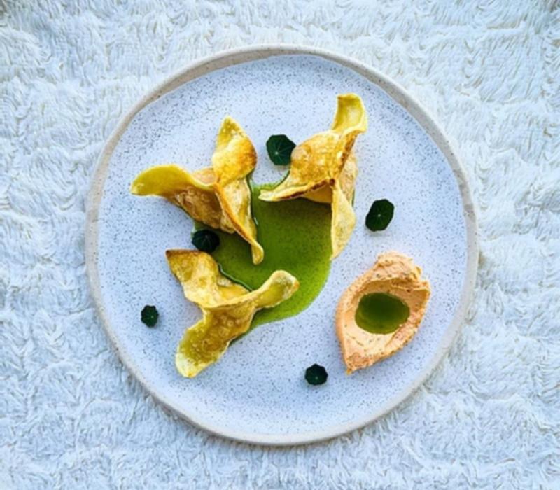φρέσκα-ζυμαρικά-με-πιπεριά-φλωρίνης-λάδι-ρόκας